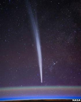 """دنبالهدارها میتوانند به شکل """"ایستاده"""" بر روی افق به نظر بیایند"""